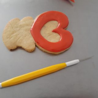 Cookie decorating scribe tool